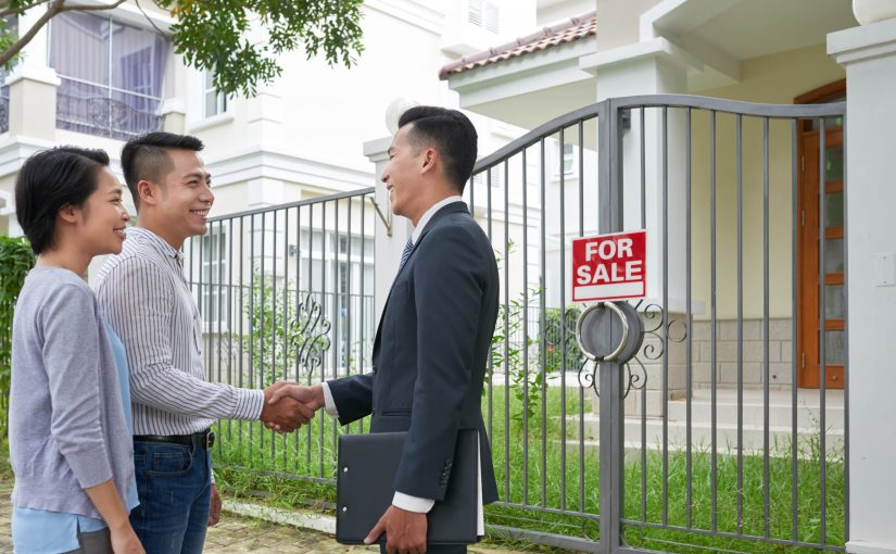 What are the benefits of using a mortgage broker in Toronto?